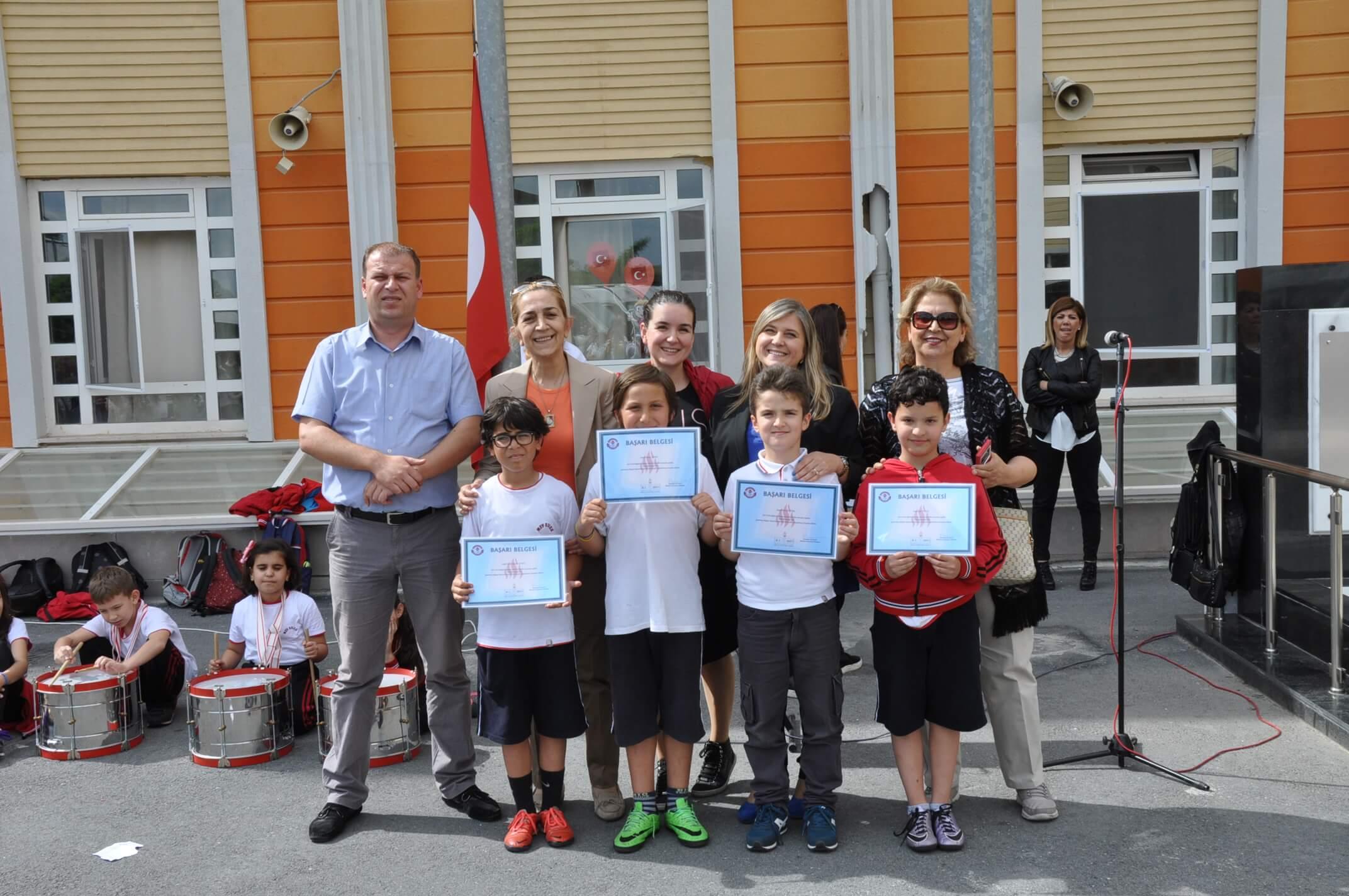 """""""Bilgi Yarışması""""nda Dereceye Giren Öğrencilerimizi Tebrik Ediyoruz"""