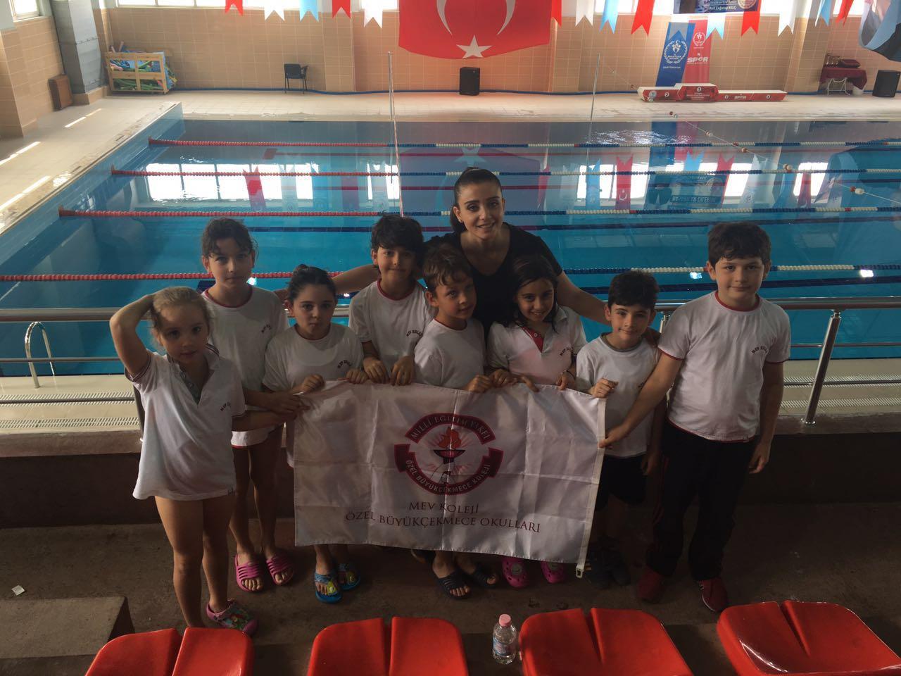 MEV'li Minik Yüzücülerimizin Büyük Başarısı