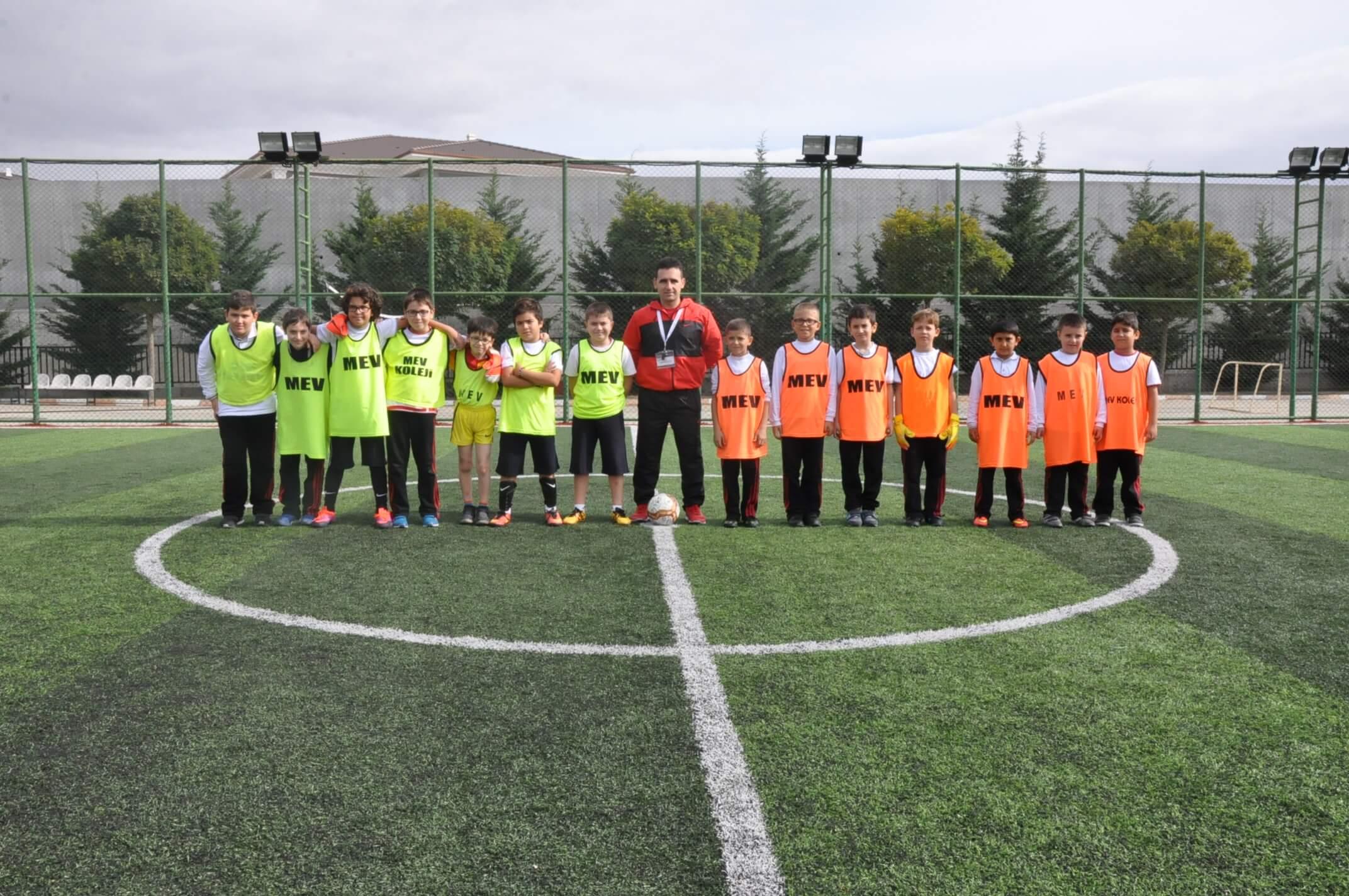 """""""Cumhuriyet Kupası Futbol Turnuvası"""" Heyecanla Gerçekleşti"""