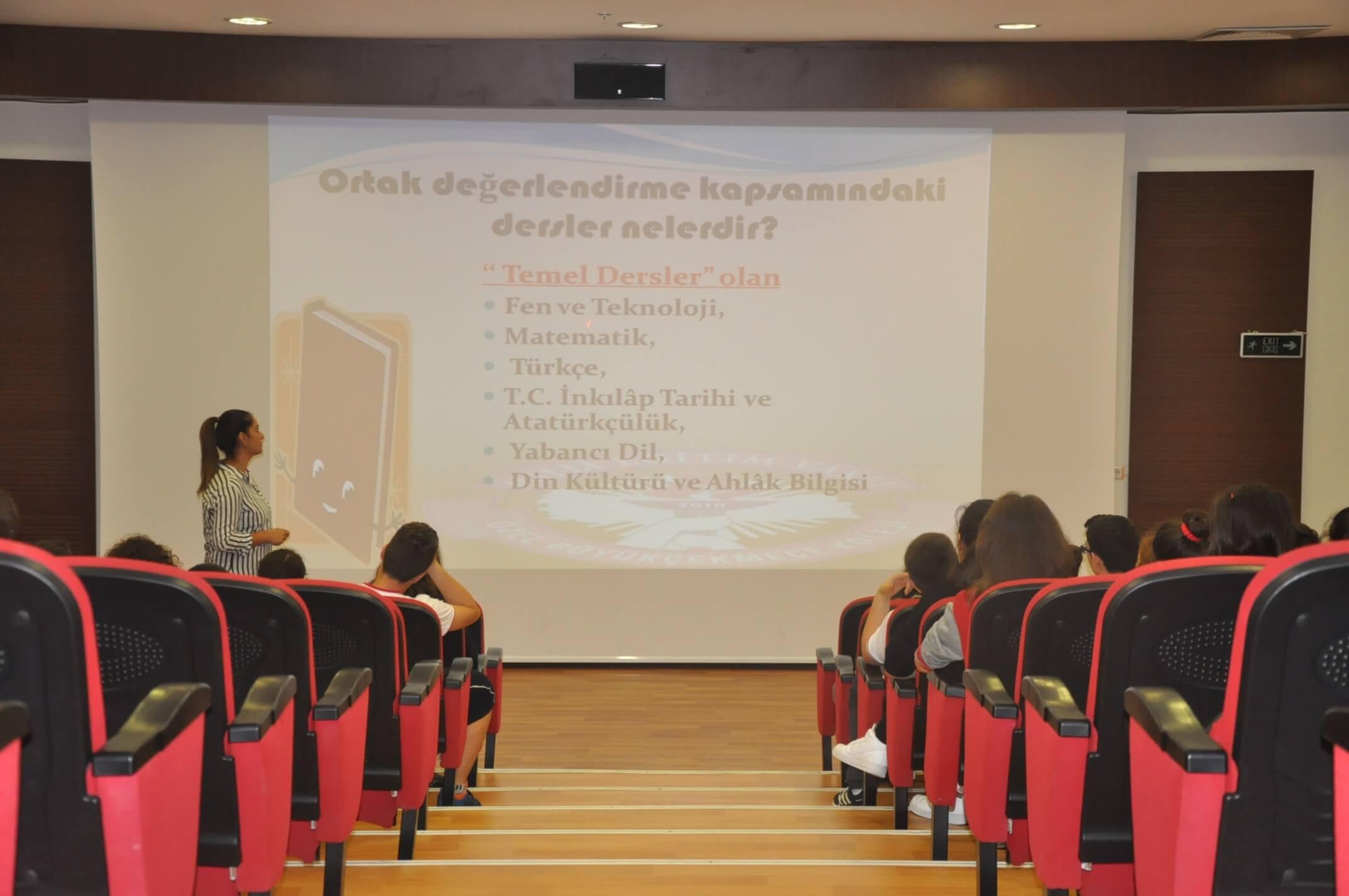 """8. Sınıf Öğrencilerimize Yönelik """"TEOG Öğrenci Bilgilendirme Semineri"""" Düzenlendi"""