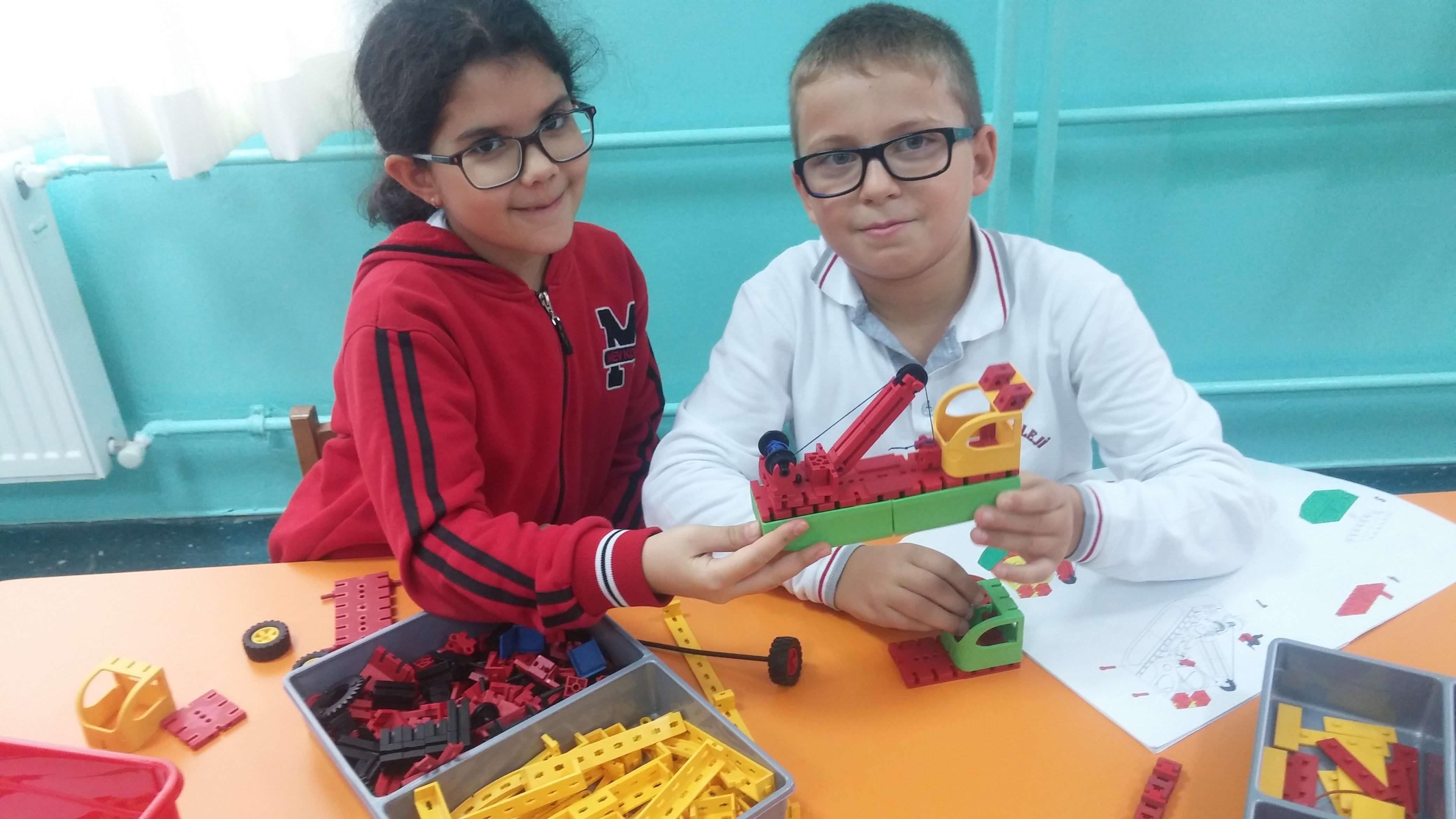 STEM Kulübü Öğrencilerimiz Kendi Tasarımlarını Hazırladılar