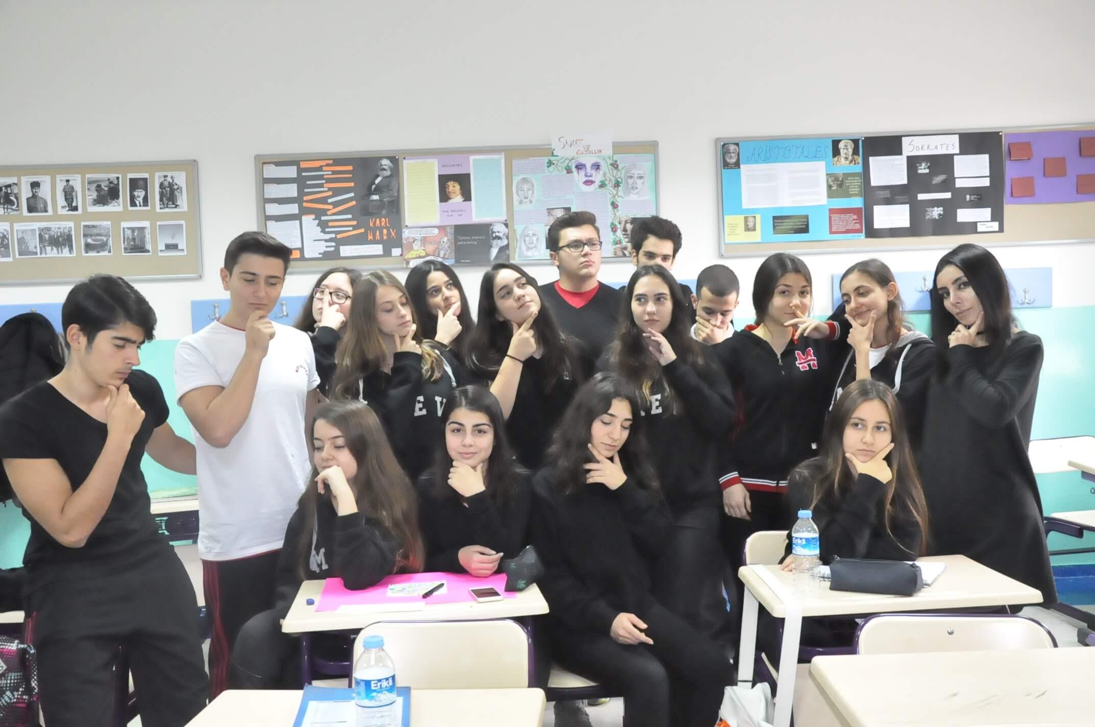 """17 Kasım 2016 """"Dünya Felsefe Günü"""" Okulumuzda Keyifli Bir Şekilde Kutlandı"""