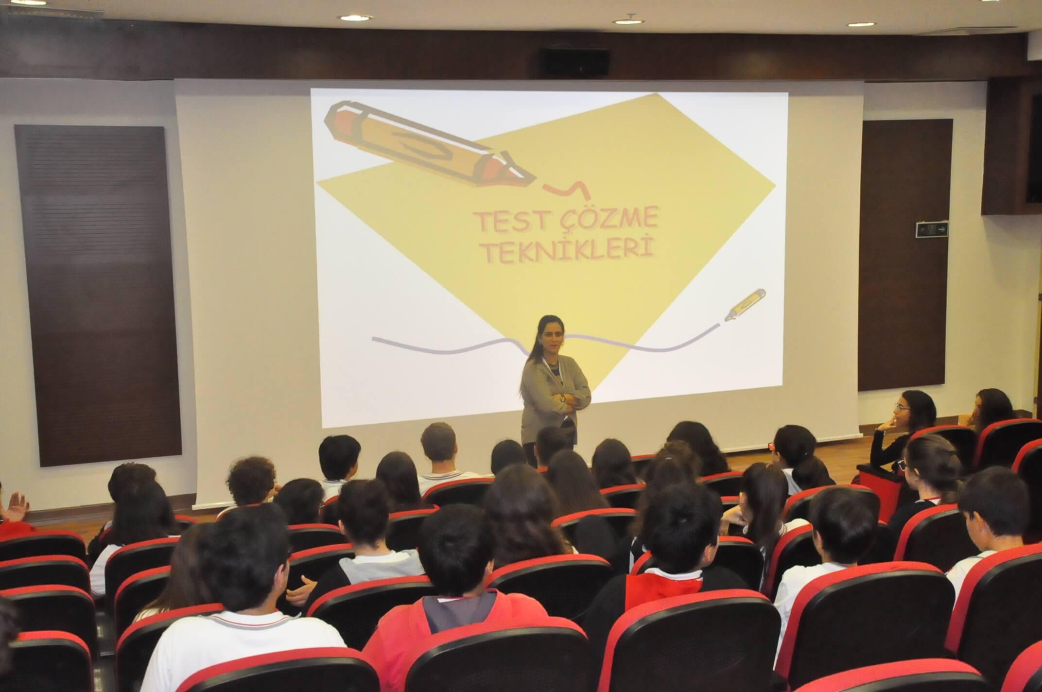 """7. Sınıf Öğrencilerimize Yönelik """"Test Çözme Teknikleri"""" Konulu Seminer Düzenlendi"""