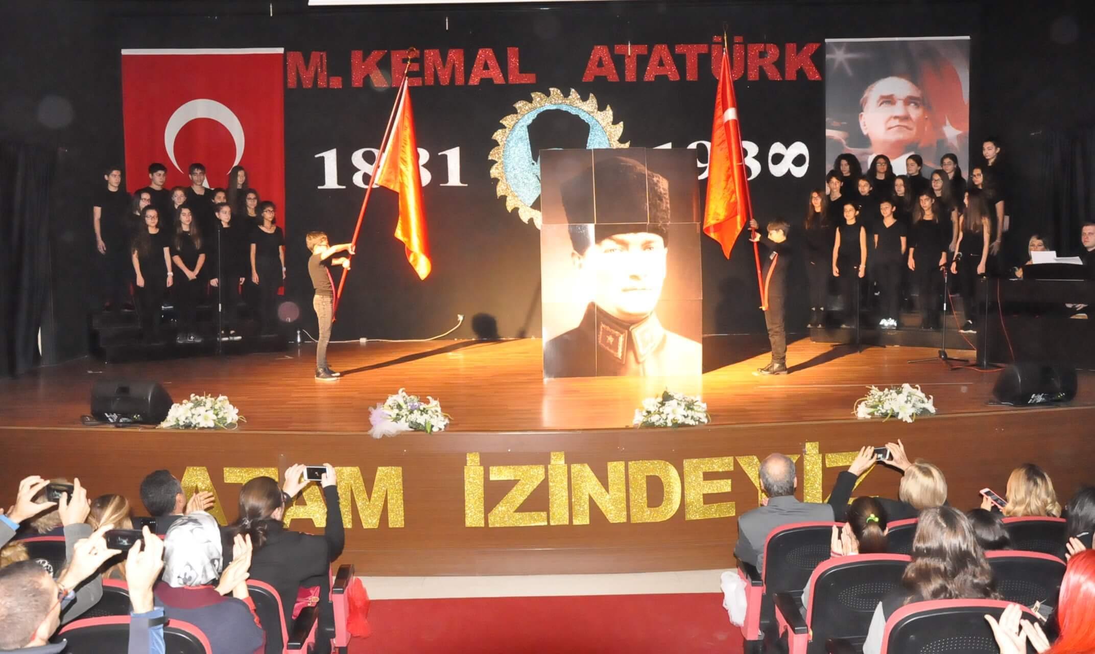 Cumhuriyet'in Kurucusu Ulu Önder Atatürk'ü Saygı ve Özlemle Andık