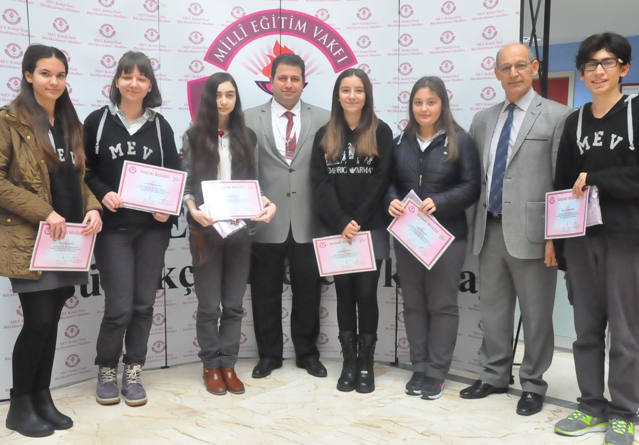 """""""Bilgi Yarışması""""nda Dereceye Giren Öğrencilerimize Ödülleri Takdim Edildi"""